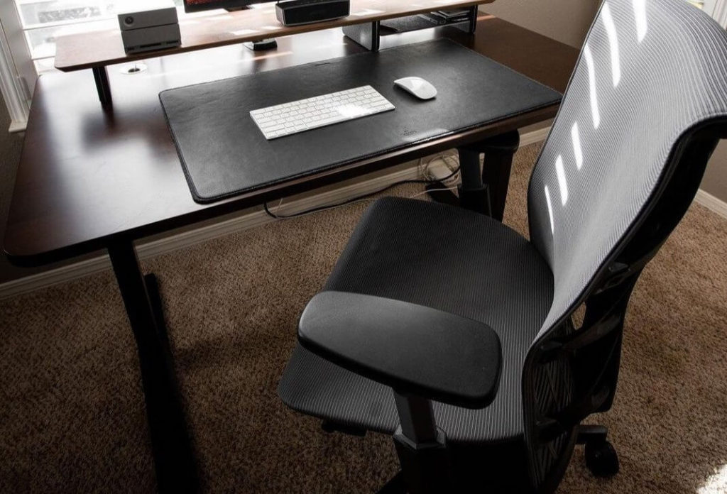 best computer chair for long hours under 200$